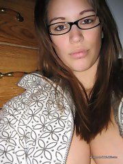 Collection of a hawt and hot breasty babe's selfpics