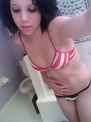 Hot petite self-shooting emo GF