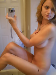 Teen with awesome tits naked and selfshooting