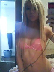 Hot emo blonde cutie camwhoring
