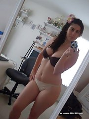 Fat-ass dilettante GF camwhoring in her bedroom