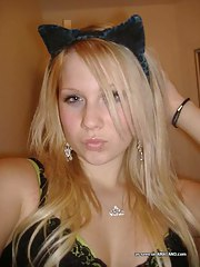 Hot cute emo amateur blond playgirl camwhoring