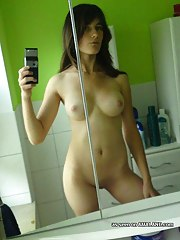 Photo compilation of sexy naked babes selfshooting