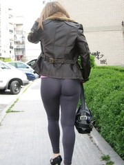 Hawt girls in leggings