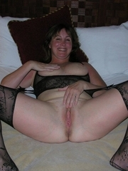 Wife Bucket - Naked wives, home porn, amateur swingers, and more!