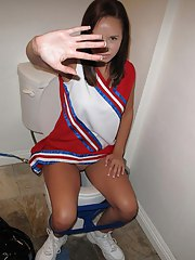 sexy cheerleader outfit round but blowj job in bed