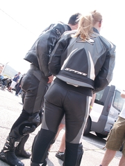 Hawt angels in leggings