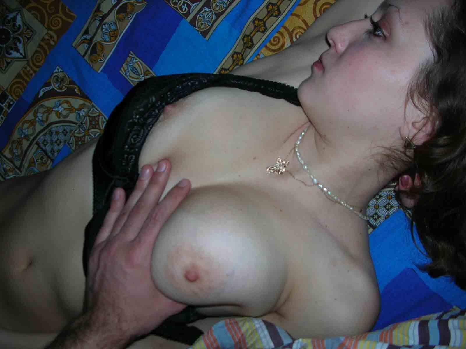 работы смотреть как жених трогает сиськи жены смотреть секс знает или кто
